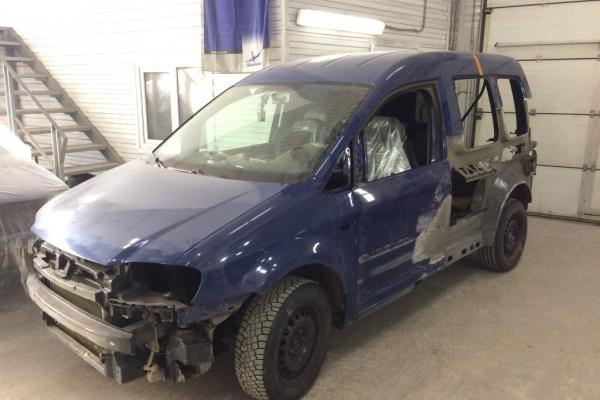Замена поврежденных элементов кузова VW Caddy